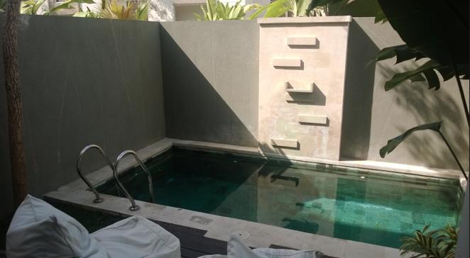 Private Pool di dalam Villa