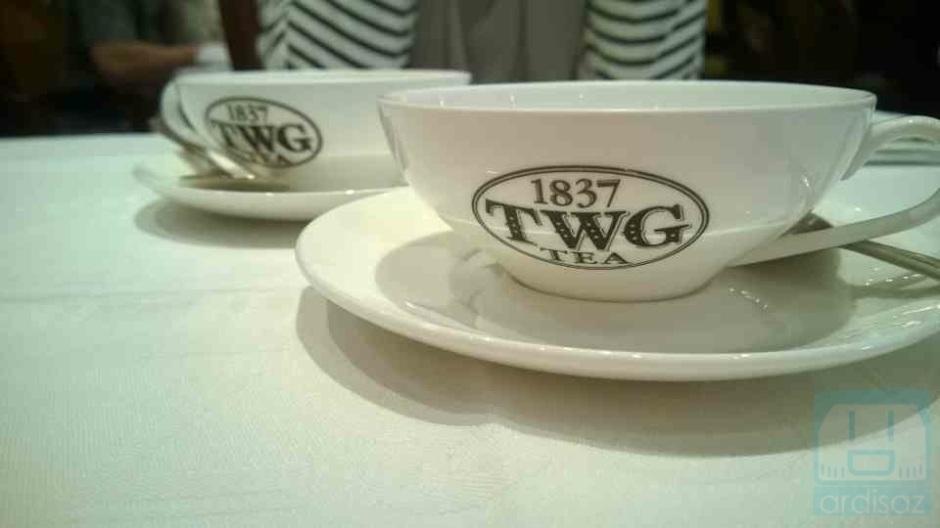 Satu menu teh bisa untuk 4 cup seukuran ini
