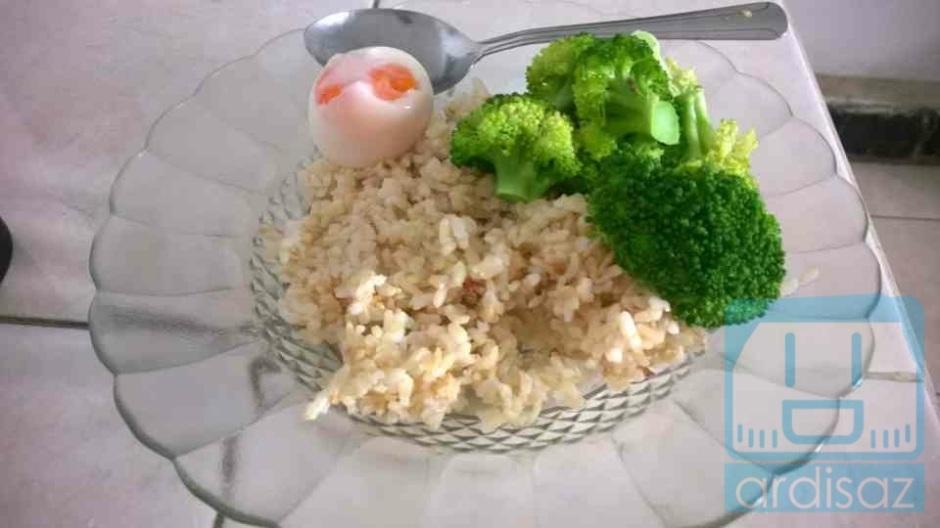 Telor di rebus, Brokoli di rebus