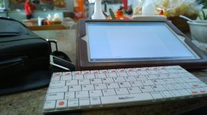 Sudah bawa keyboard buat ngeblog, tapi gak sempet