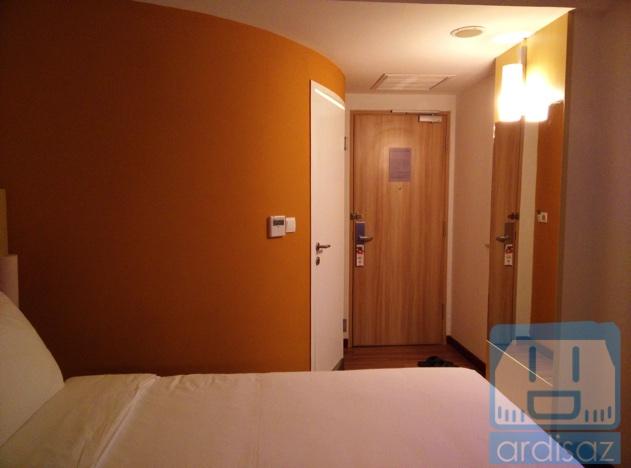 Review Hotel Ibis Pasteur-1