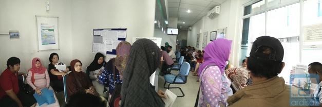 Suasana di kantor pendaftaran BPJS