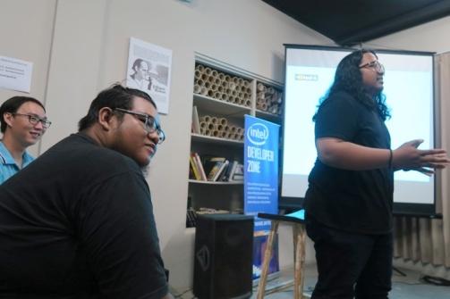 Sesi sharing dari perwakilan gamedev Bali